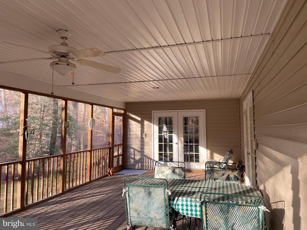 Screen Porch - 2402 LAKEVIEW PKWY, LOCUST GROVE