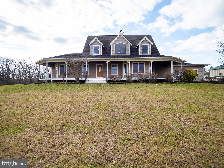 Single Family Homes 为 销售 在 米尔福德, 新泽西州 08848 美国