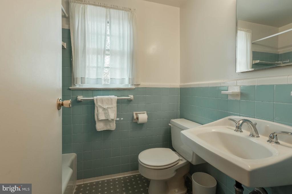 Upper level ceramic tile full bath 2 - 12602 VALLEYWOOD DR, SILVER SPRING