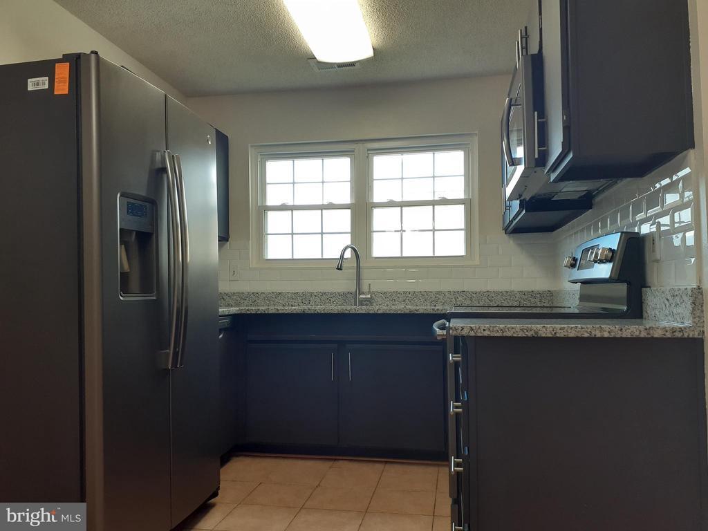 Kitchen - 1115 HUNTMASTER TER NE #301, LEESBURG