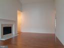 Living Room - 1115 HUNTMASTER TER NE #301, LEESBURG