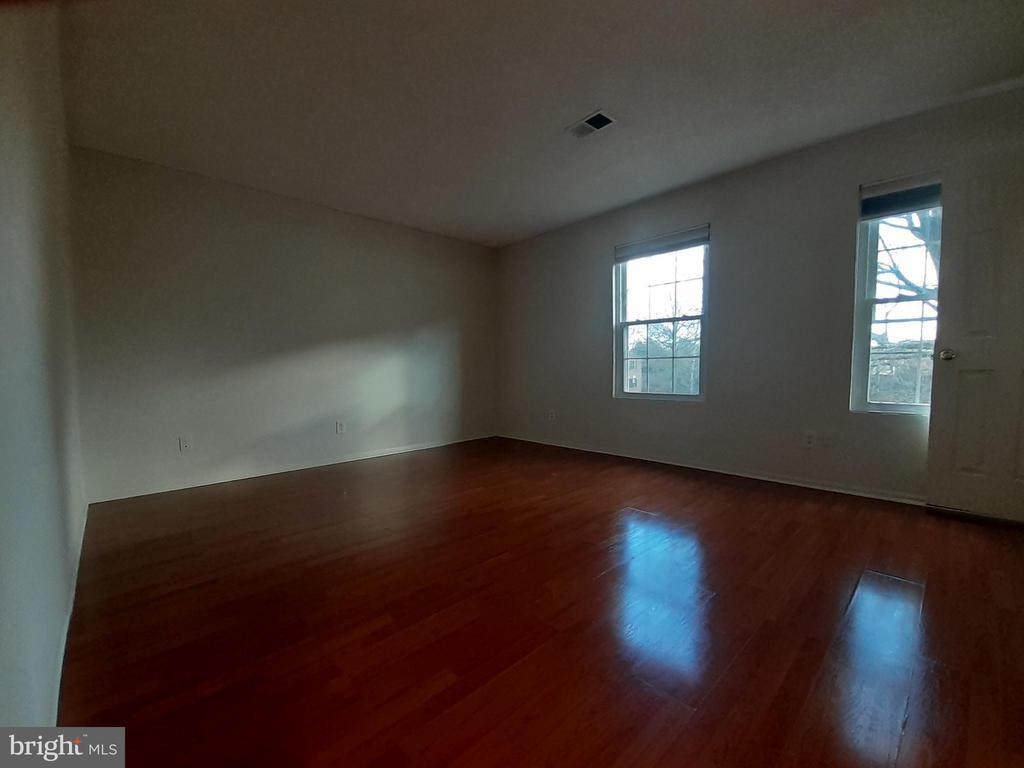 Main bedroom - 1115 HUNTMASTER TER NE #301, LEESBURG