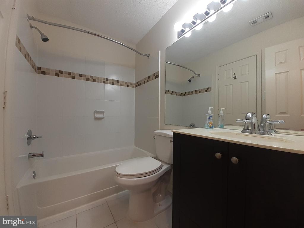 Bathroom - 1115 HUNTMASTER TER NE #301, LEESBURG
