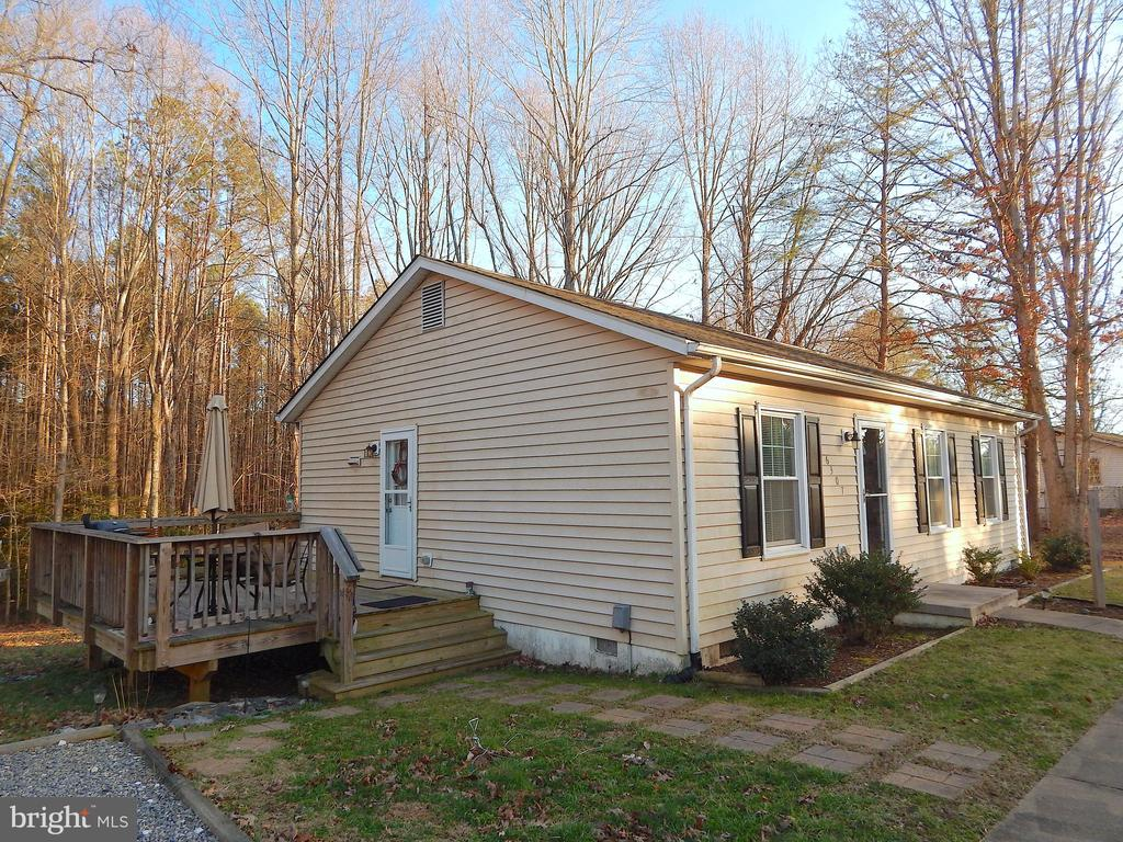 Deck with entrance to Kitchen - 6307 TOWLES MILL RD, SPOTSYLVANIA