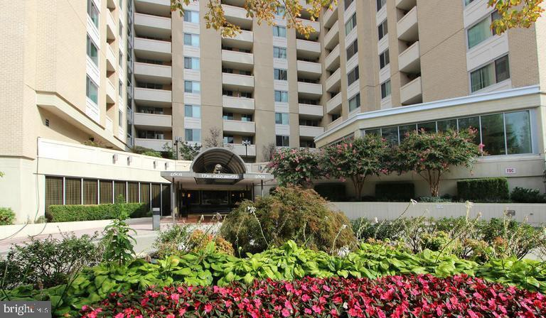 - 4601 N PARK AVE #702, CHEVY CHASE