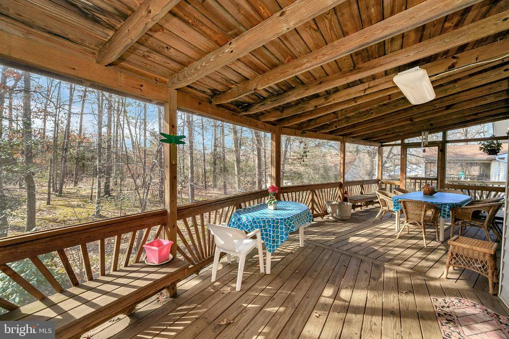 Huge Screened Porch - 505 MONTICELLO CIR, LOCUST GROVE