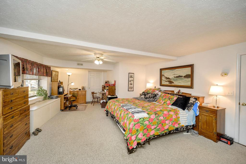 Master Bedroom - 505 MONTICELLO CIR, LOCUST GROVE