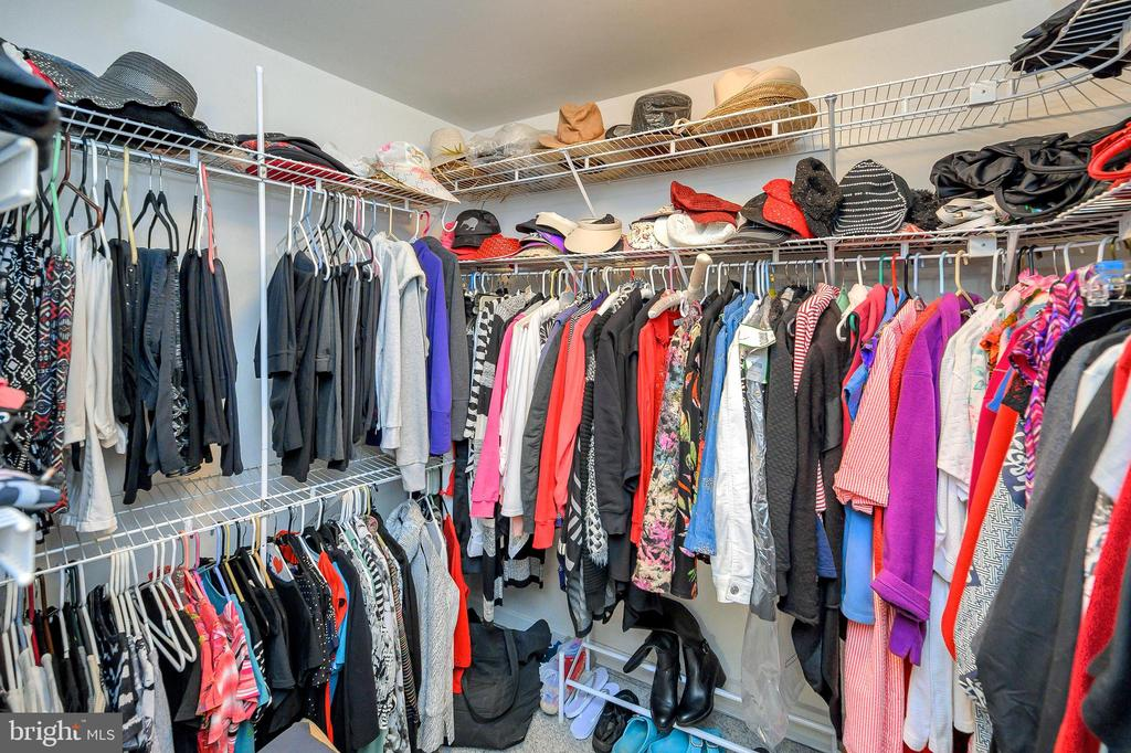 Master Walk in Closet - 505 MONTICELLO CIR, LOCUST GROVE