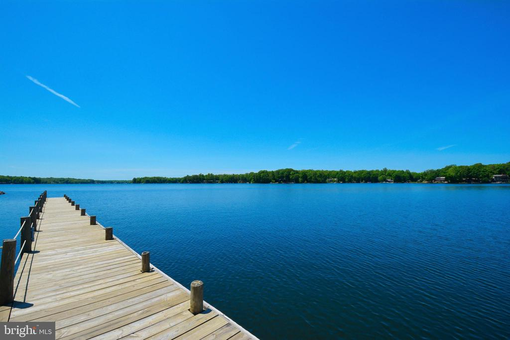 Beautiful Lake - 505 MONTICELLO CIR, LOCUST GROVE