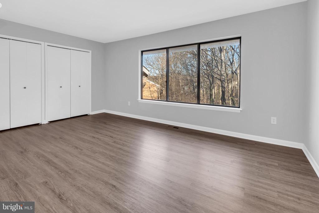 Spacious master bedroom - 2053 SWANS NECK WAY, RESTON