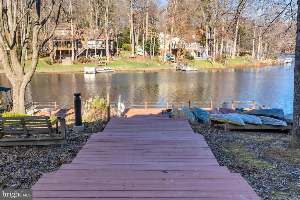 Community dock with boat storage - 2053 SWANS NECK WAY, RESTON
