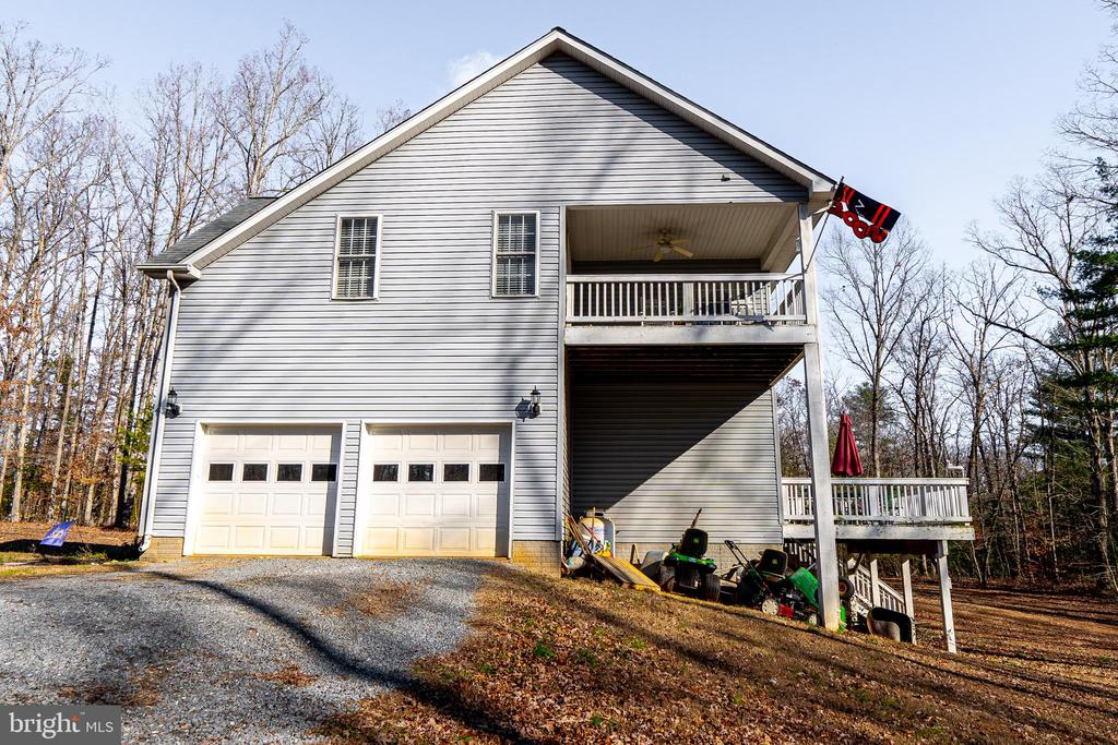 2 Car garage , Top covered Porch is off of master - 20176 MOUNTAIN TRACK RD, ORANGE