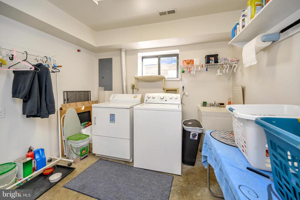 Laundry Room - 505 MONTICELLO CIR, LOCUST GROVE