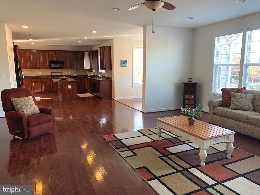Open Living Space - 812 MORAN DR, ANNAPOLIS