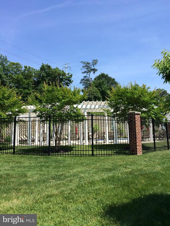 Fenced in Pool - 812 MORAN DR, ANNAPOLIS