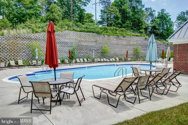Relax by the  Community Pool - 812 MORAN DR, ANNAPOLIS