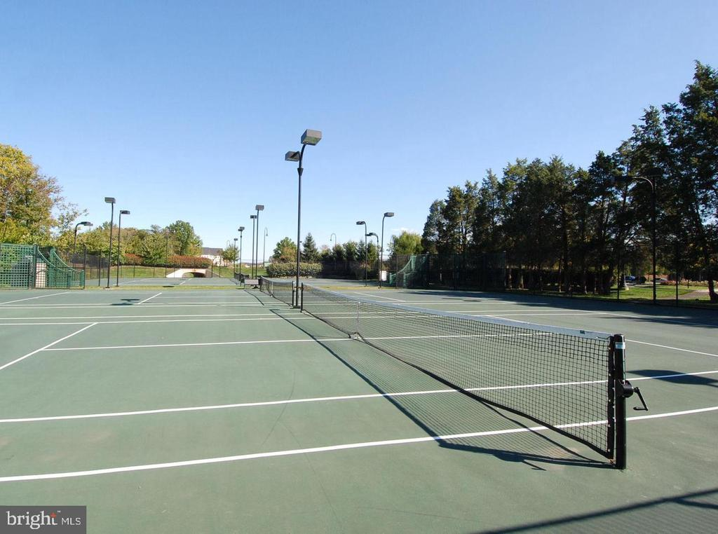 Community Tennis court - 21586 MERION ST, ASHBURN