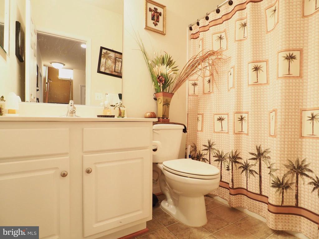 Bathroom - 178 WOODSTREAM BLVD, STAFFORD