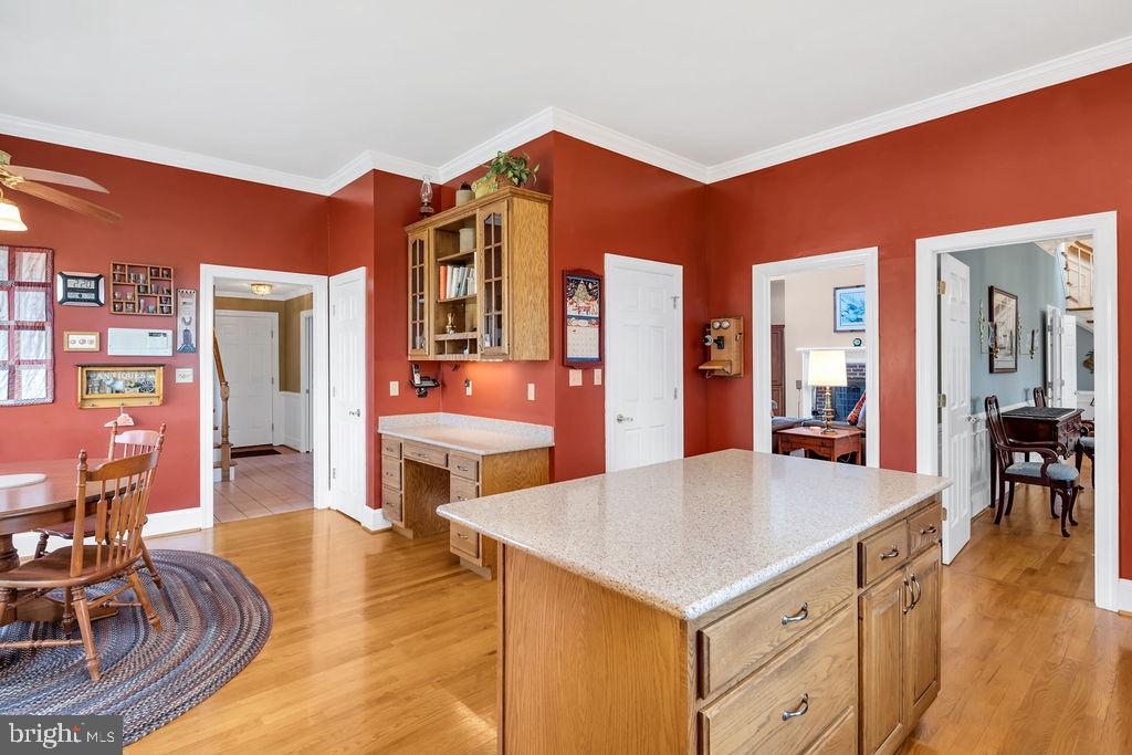 Corner desk in the kitchen...got homework? - 36704 SNICKERSVILLE TPKE, PURCELLVILLE