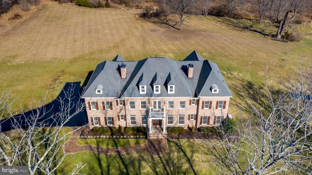 A View From Above - 19852 SOMERCOTE LN, LEESBURG