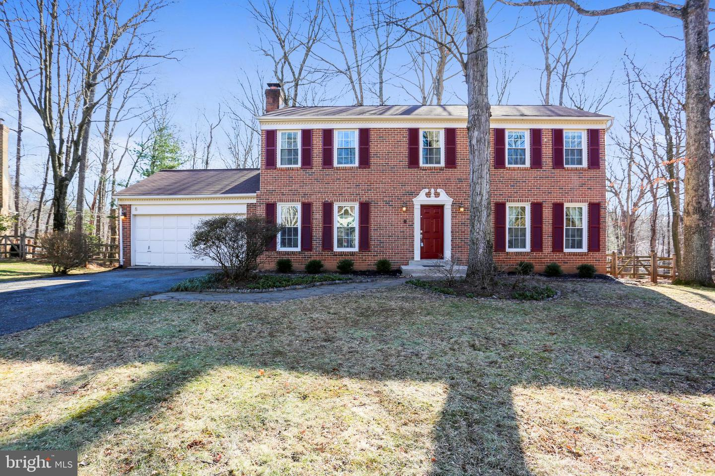 8 FALLSWOOD COURT, POTOMAC, Maryland