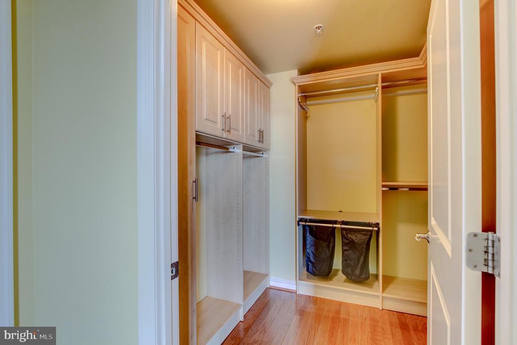 Bedroom Maaster Closet - 11990 MARKET ST #1401, RESTON