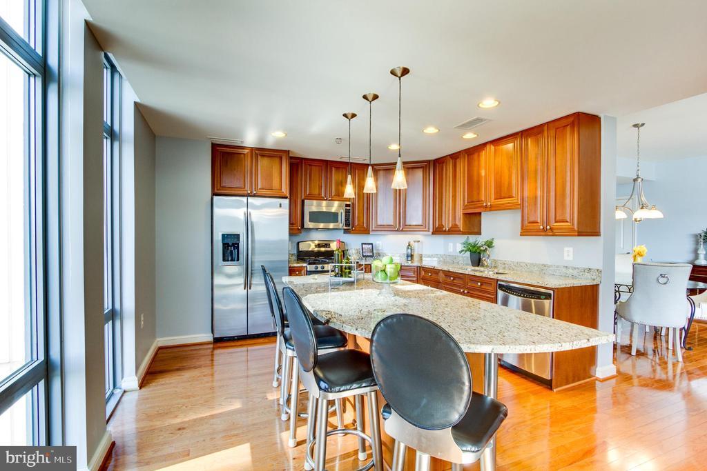 Kitchen Island - 11990 MARKET ST #1401, RESTON