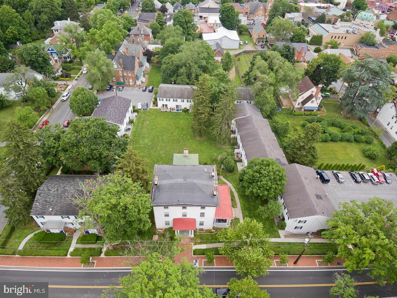 Multi Family voor Verkoop op Winchester, Virginia 22601 Verenigde Staten