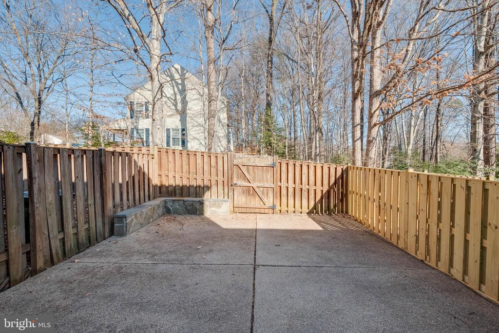 Fenced back patio area for privacy - 15305 INLET PL, DUMFRIES