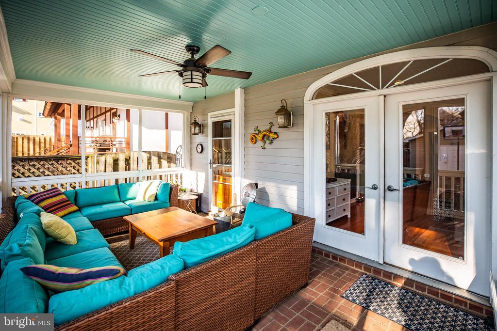 Extended living space w/huge screened porch - 604 HAWKE ST, FREDERICKSBURG