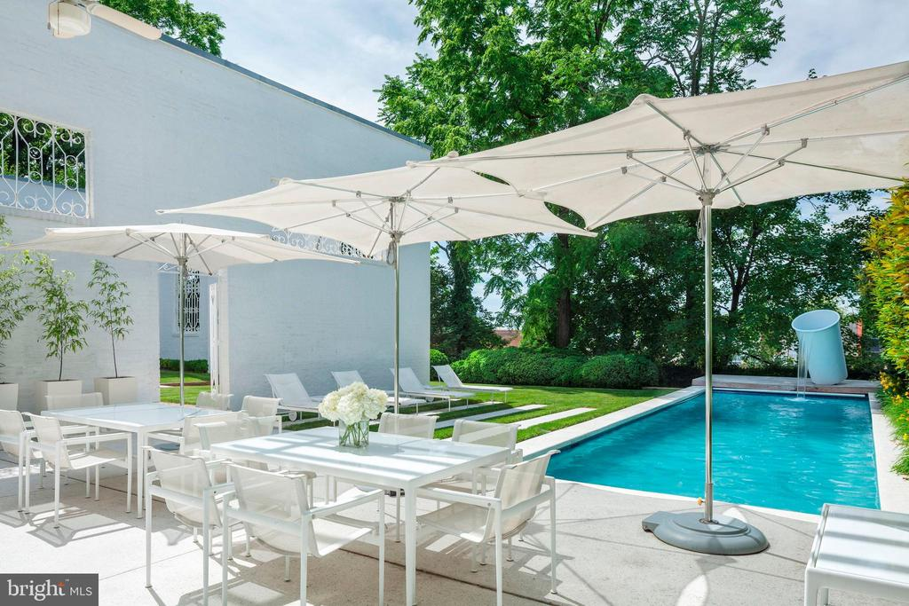 South Facing Terrace and 42-Foot Swimming Pool - 3304 R ST NW, WASHINGTON