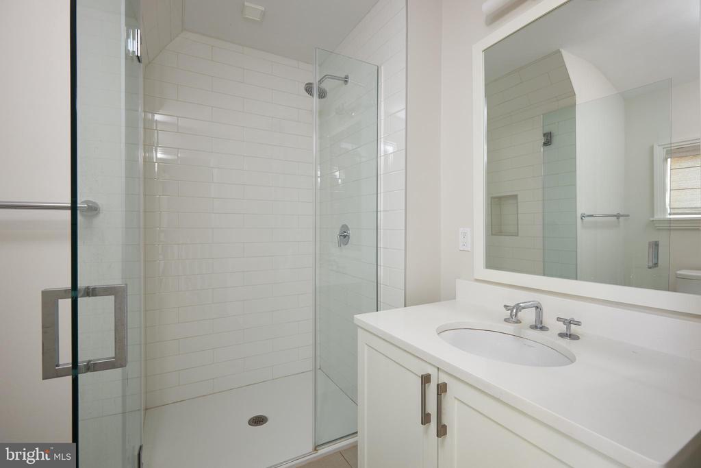 Subway tiles, walk in shower stall on top floor. - 419 GUETHLER'S WAY SE, WASHINGTON