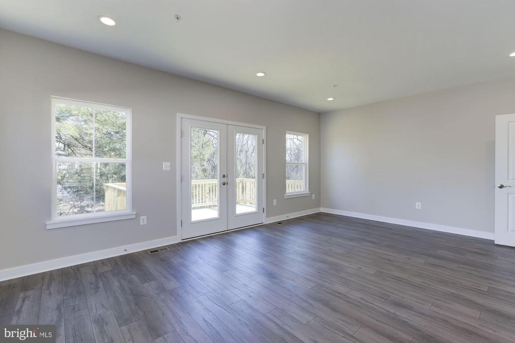 Great Room and Access to Rear Deck - 5225 PALCO PL, COLLEGE PARK