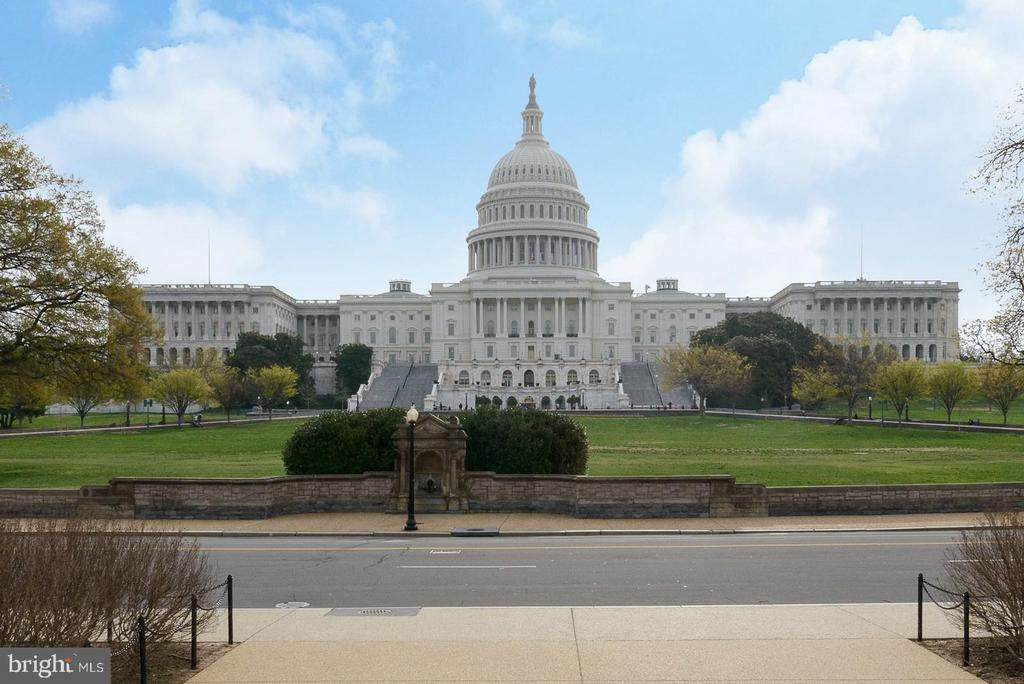 Capitol building - 419 GUETHLER'S WAY SE, WASHINGTON