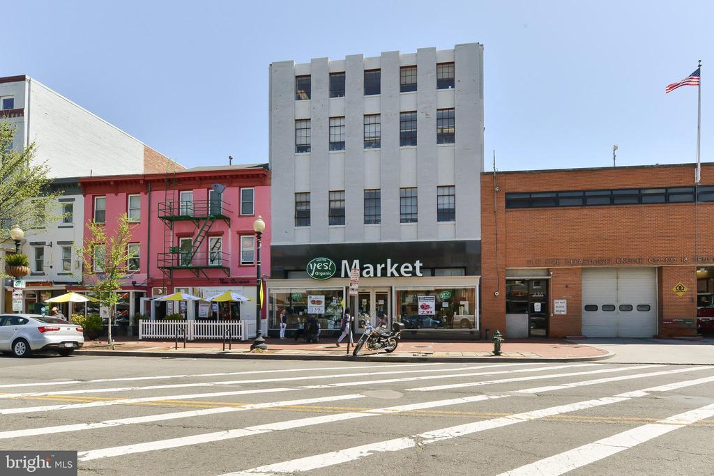 Yes! Market - 419 GUETHLER'S WAY SE, WASHINGTON