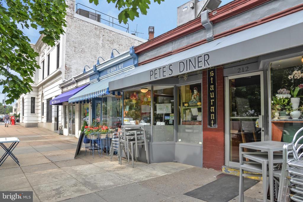 Pete's Diner - 419 GUETHLER'S WAY SE, WASHINGTON