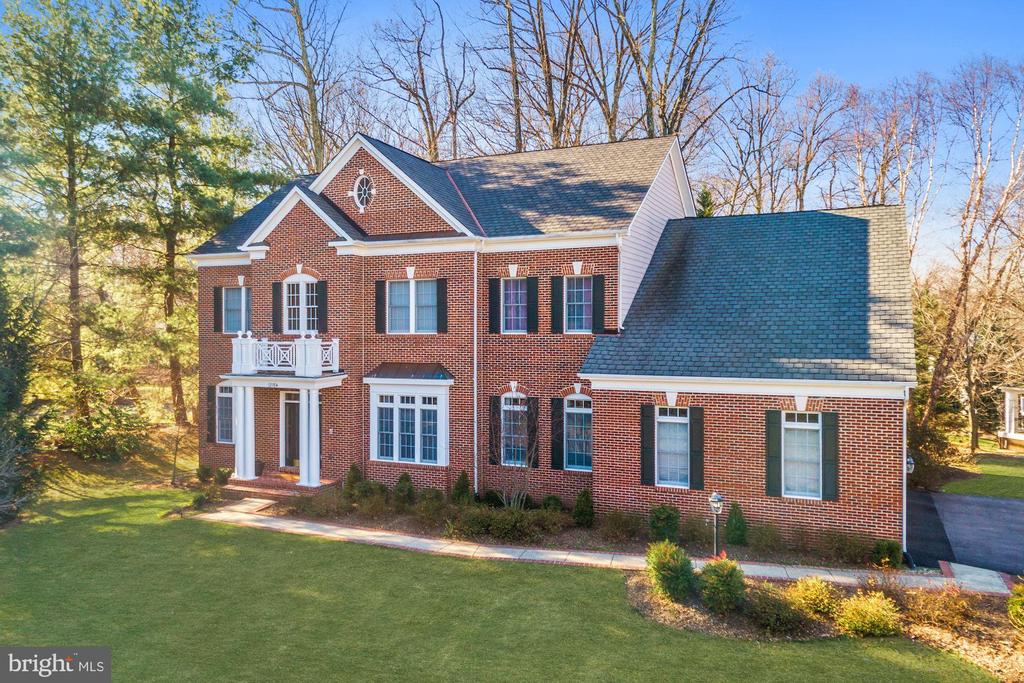 Beautiful Brick Front Colonial - 12184 HICKORY KNOLL PL, FAIRFAX