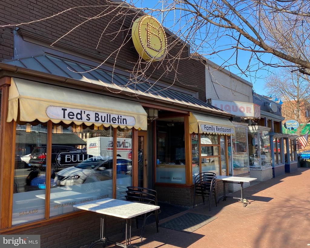 Barack's Row-Ted's Bulletin 8th St Shops - 419 GUETHLER'S WAY SE, WASHINGTON