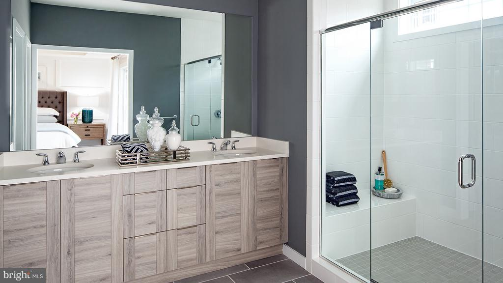 Hayes Contemporary Master Bathroom - 43184 MONGOLD SQ, ASHBURN