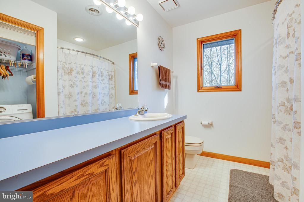 Guest Bathroom - 7400 BROWNS FARM RD, SPOTSYLVANIA