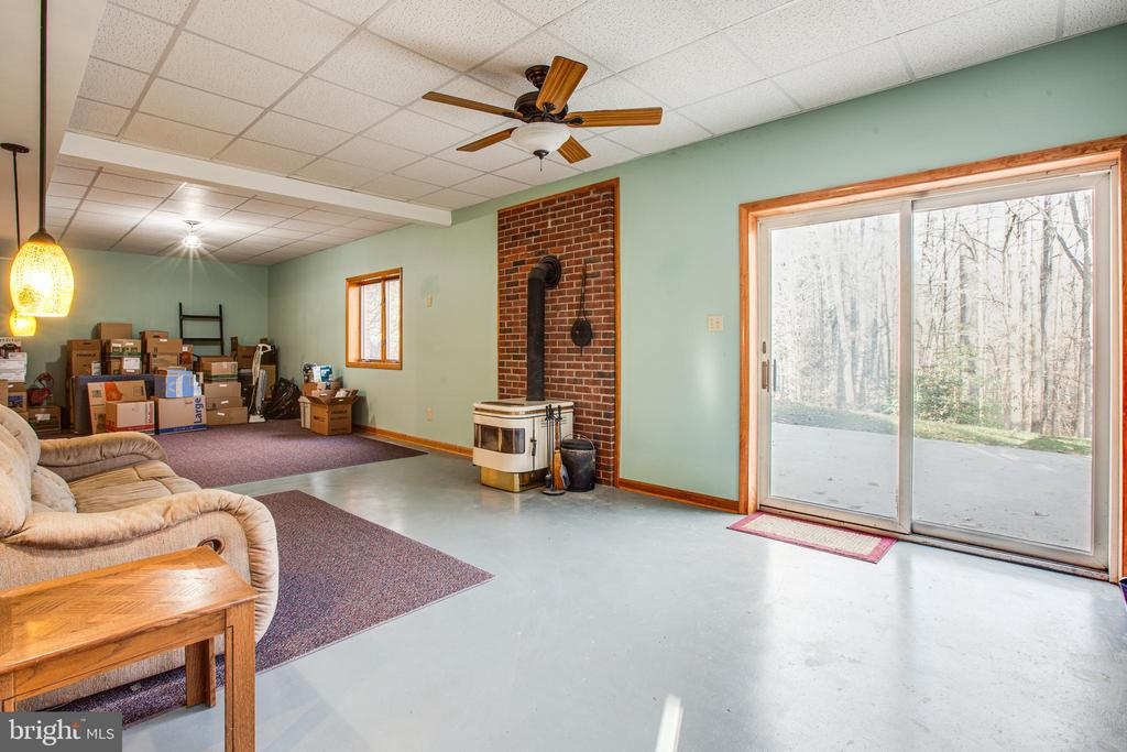 Woodstove and Side Yard Access - 7400 BROWNS FARM RD, SPOTSYLVANIA