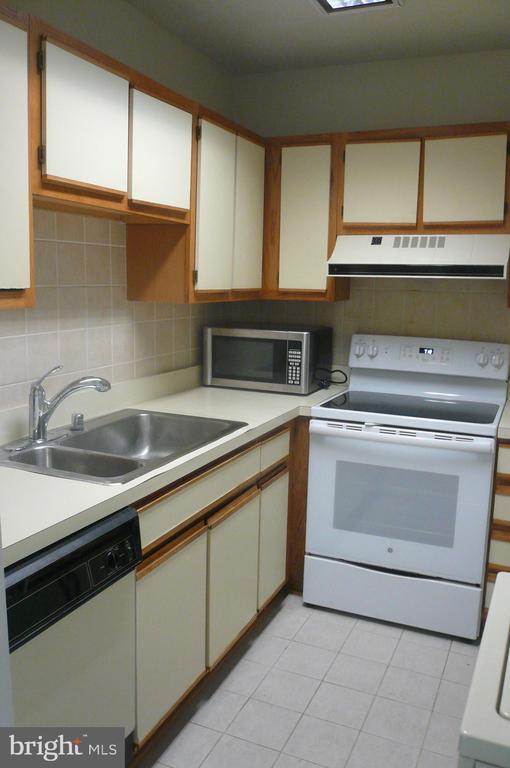 Kitchen - 900 N STAFFORD ST #2015, ARLINGTON