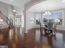 Contemporary floor plan and finishes - 2952 MILL ISLAND PKWY, FREDERICK