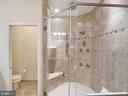 Spa shower with all the upgrades - 2952 MILL ISLAND PKWY, FREDERICK