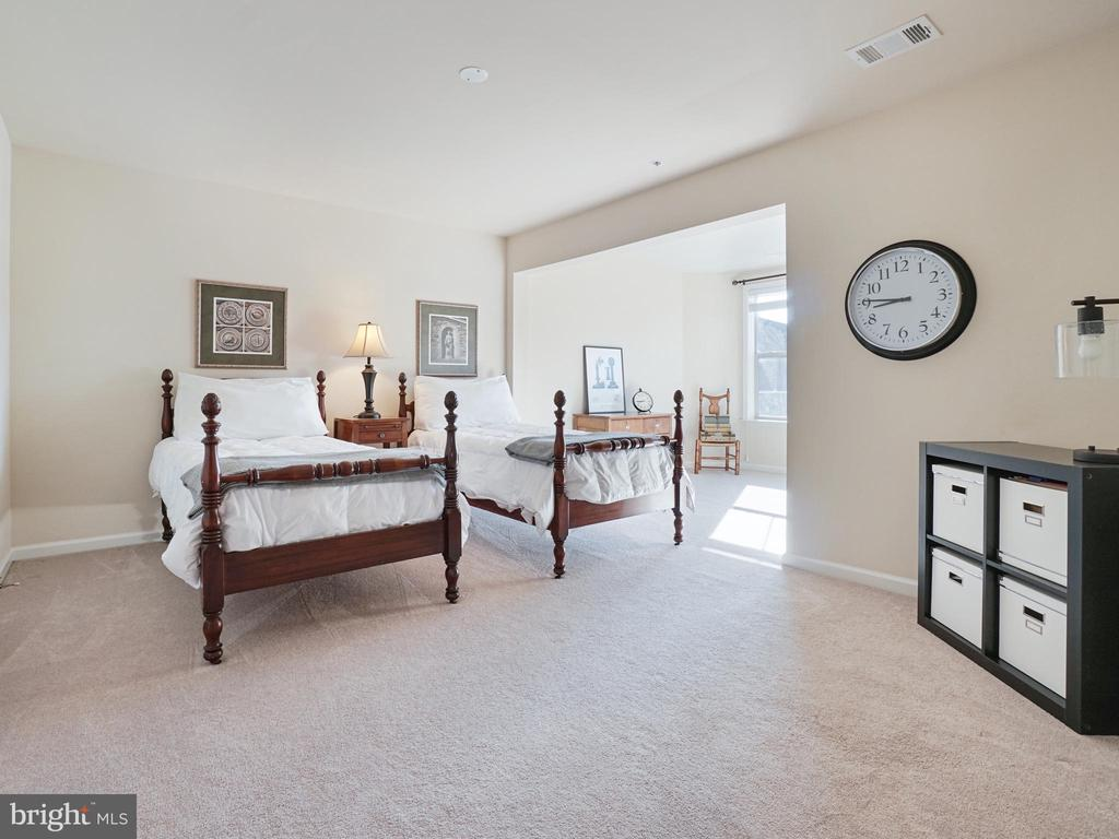 Upstairs Bedroom 2 - 2952 MILL ISLAND PKWY, FREDERICK