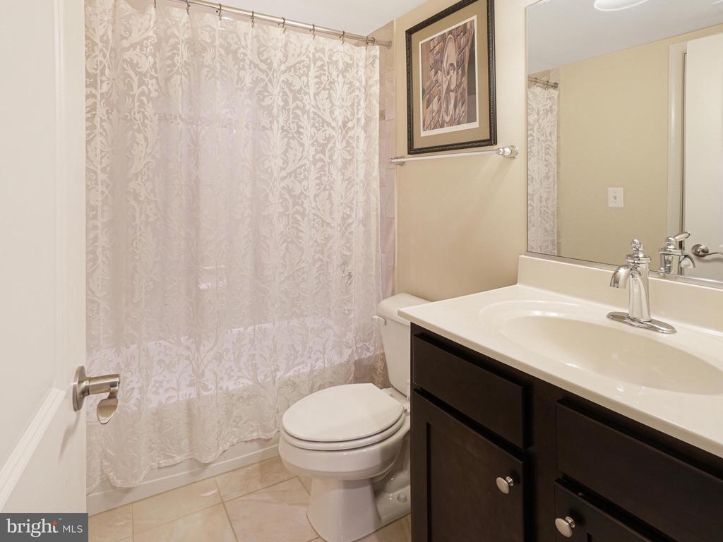 Bathroom 3 in walkout basement - 2952 MILL ISLAND PKWY, FREDERICK