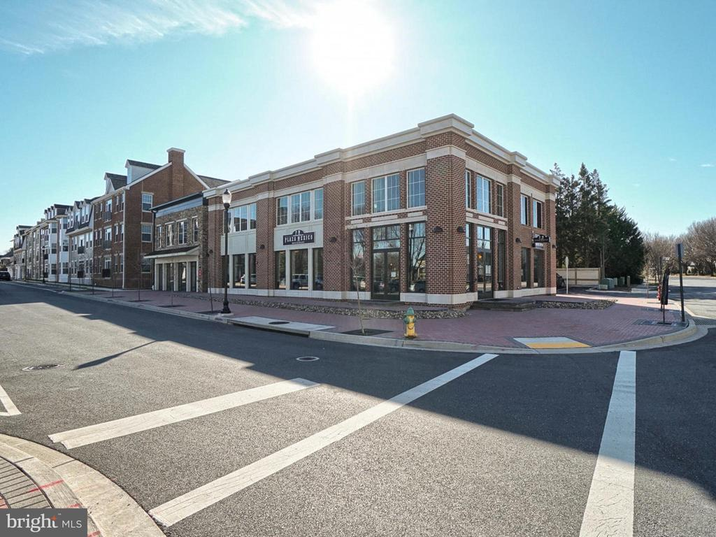Walkable delicious bakery and restaurants - 2952 MILL ISLAND PKWY, FREDERICK