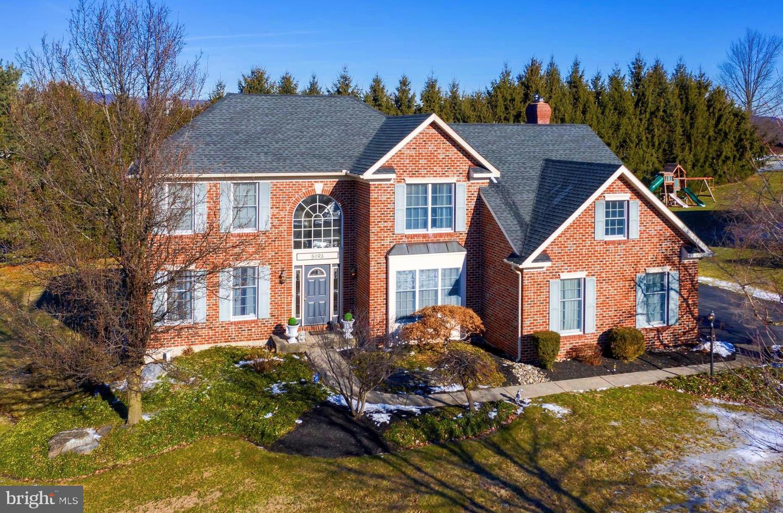Single Family Homes για την Πώληση στο 5193 ROSEWOOD Drive Center Valley, Πενσιλβανια 18034 Ηνωμένες Πολιτείες