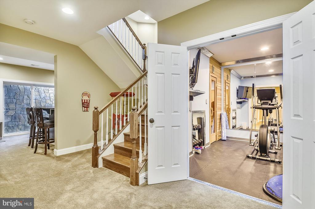 - 42409 MORELAND POINT CT, ASHBURN