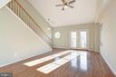 High 2-story vaulted ceiling - 20387 BIRCHMERE TER, ASHBURN